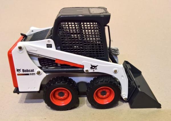 Bobcat ® S450 Compact loader